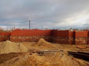 2010 г. Закончилось строительство цокольного этажа храма.