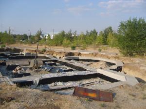2009 г. К концу года все бетонные работы были завершены, фундамент был полностью залит.